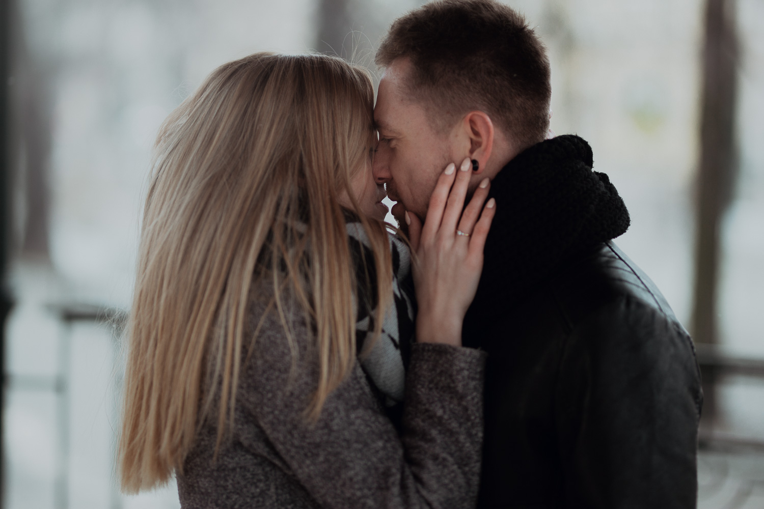 Engagement-photoshoot-in-winter-krakow-wawel-21.jpg