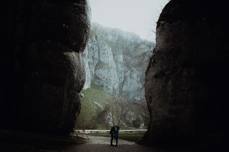 Sesja-narzeczenska-w-ojcowskim-parku-narodowym-12.jpg
