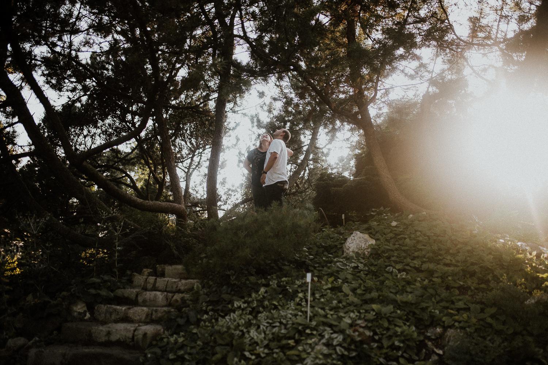 sesja-narzeczenska-w-ogrodzie-botanicznym-w-krakowie-18.jpg