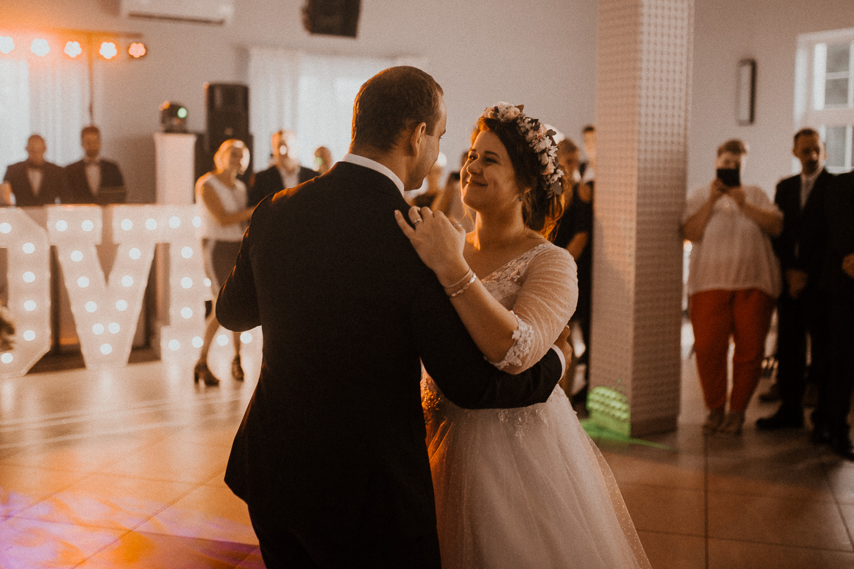 Boho-wedding-slub-rustykalny-w-Osieku-84.jpg