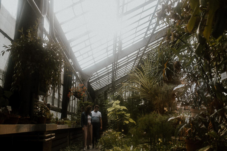 sesja-narzeczenska-w-ogrodzie-botanicznym-w-krakowie (1 of 5).jpg