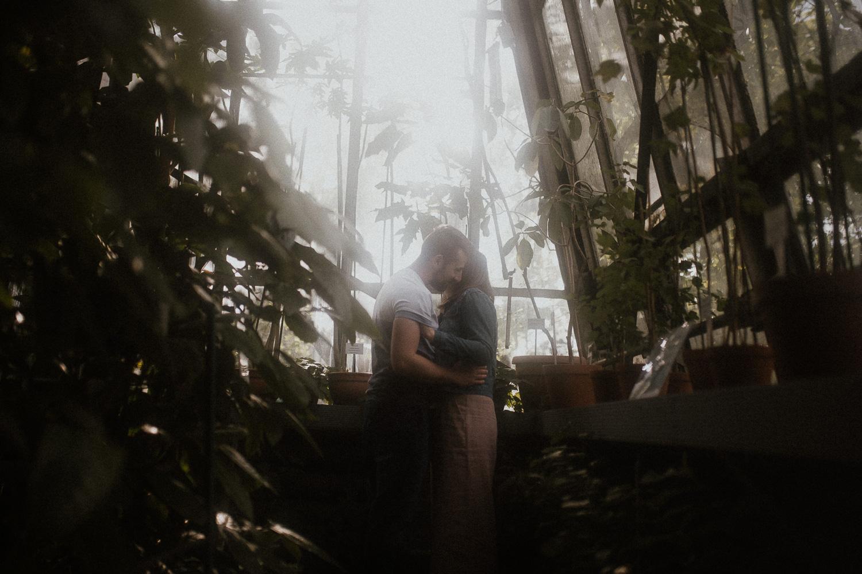 sesja-narzeczenska-w-ogrodzie-botanicznym-w-krakowie (3 of 5).jpg