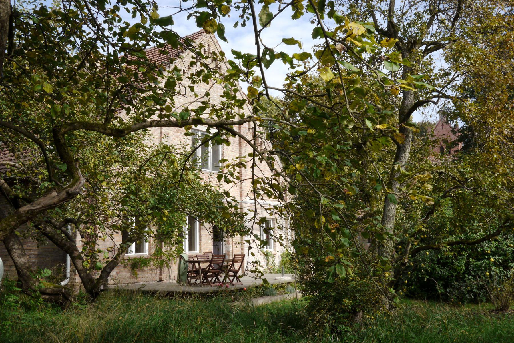 Rehof-Rutenberg-Hofgebaeude-01.jpg