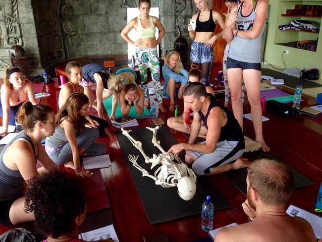 banyan-yoga-anatomy-class.jpg
