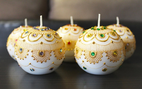 DESIGNS BY JYOTI - Designs by Jyoti creates beautiful candles that are a magical addition to dinner parties, weddings, henna/mehndi ceremonies, and other holidays and festivities, such as Diwali. These beautiful candles also make excellent gifts and party favors.