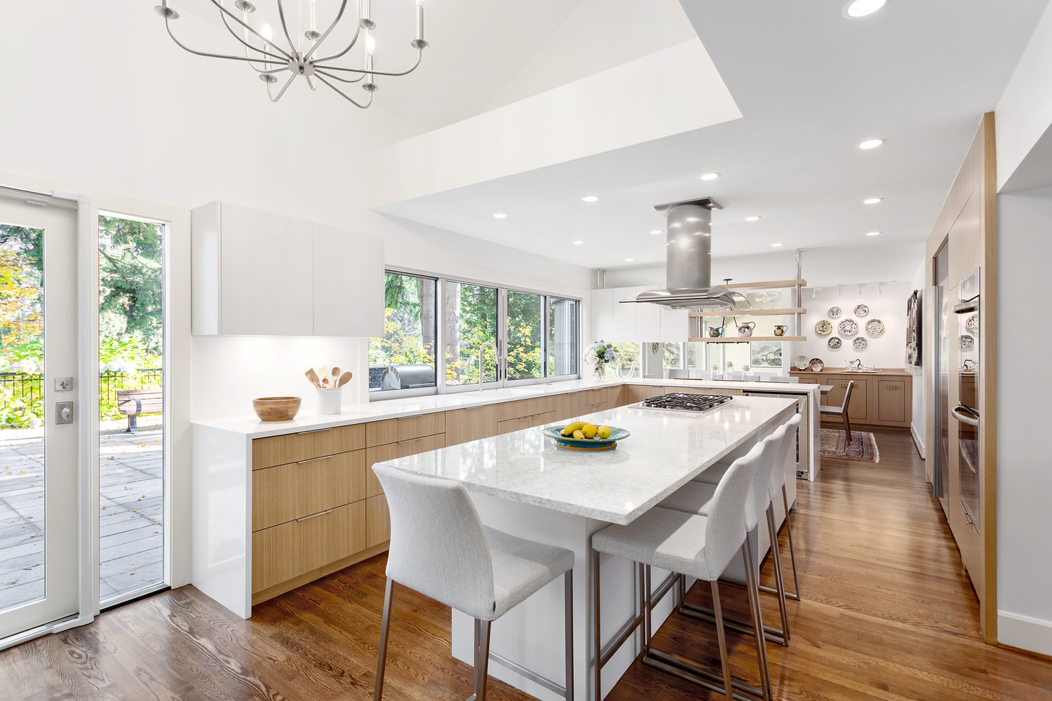 Vancouver Sun Online - We joined leading local designers to offer our tips on picking the perfect white paint for your home.View the article