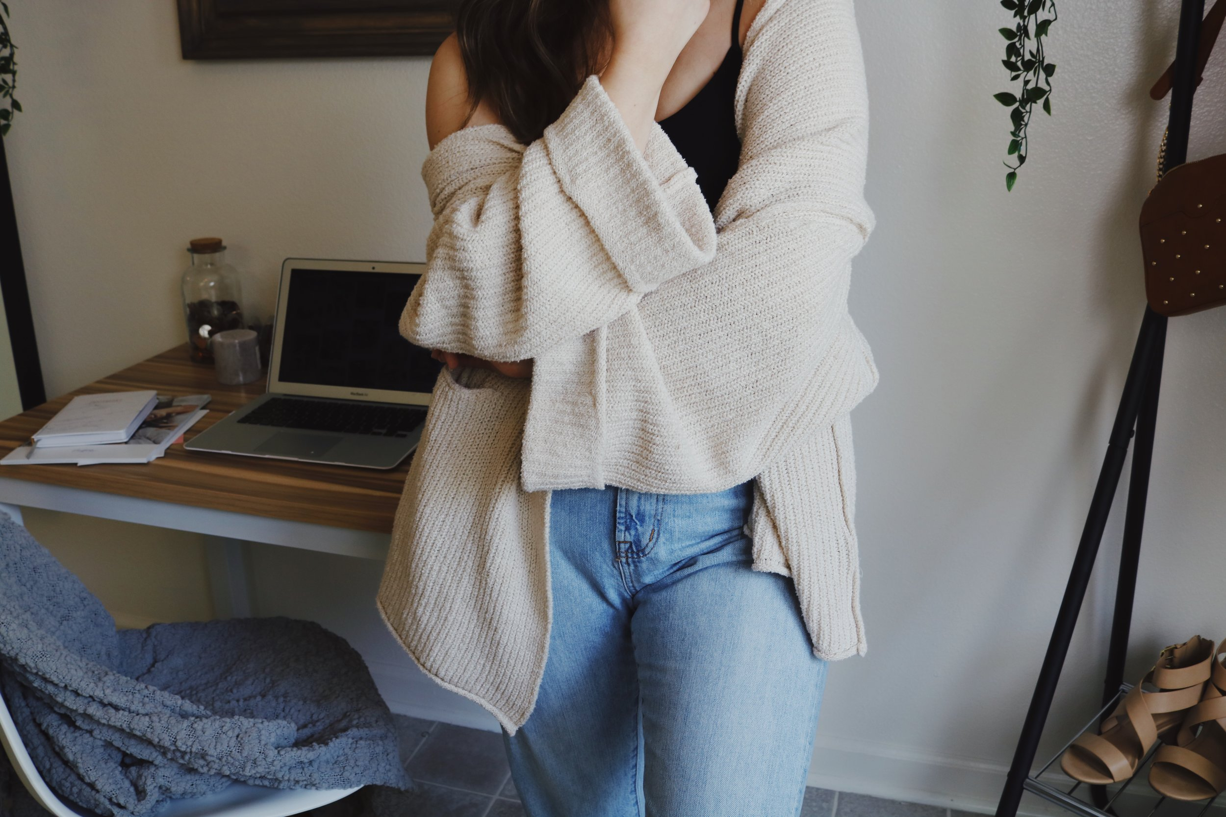sweater close up.jpg
