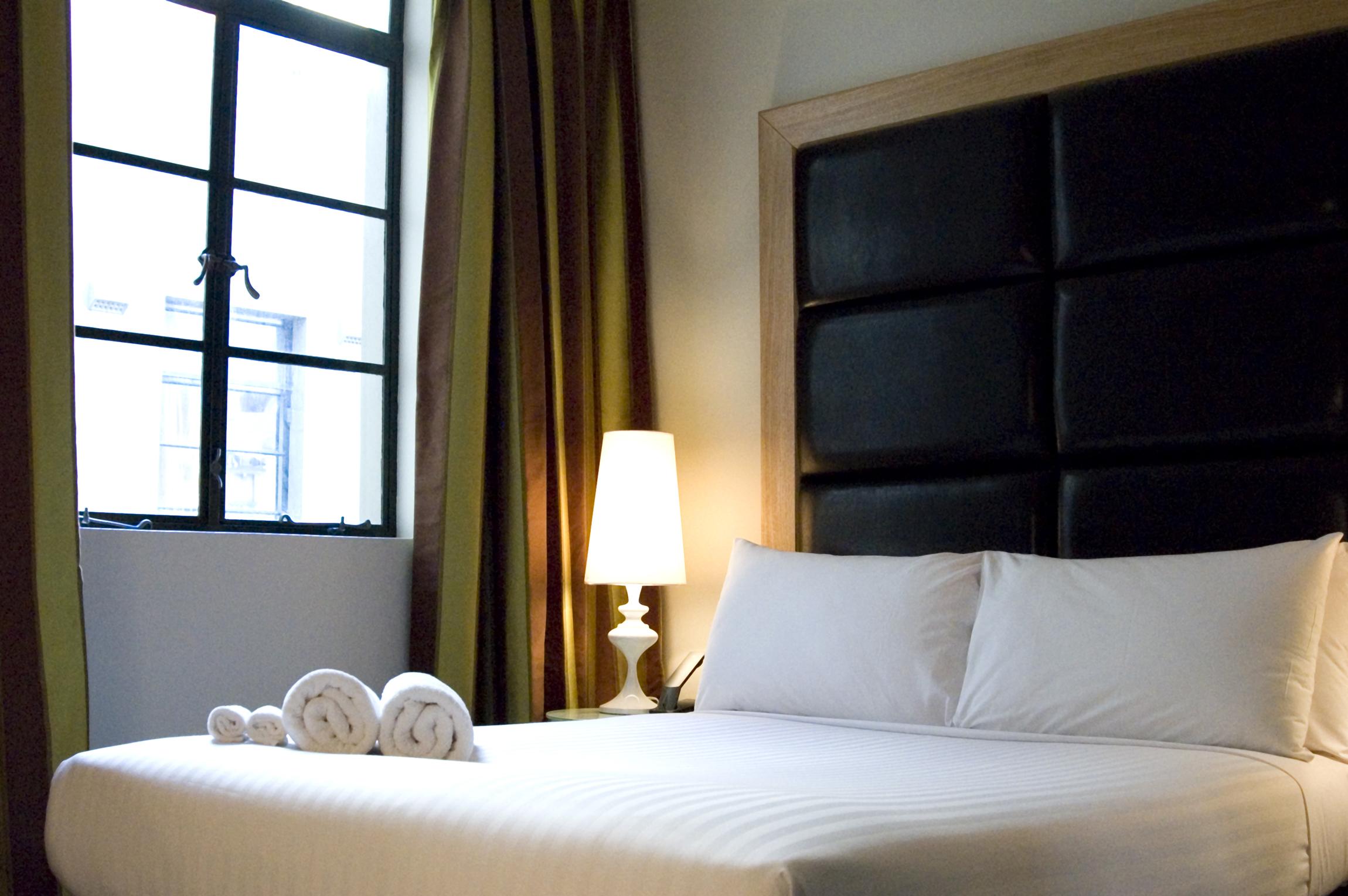 Deluxe-Room.jpg