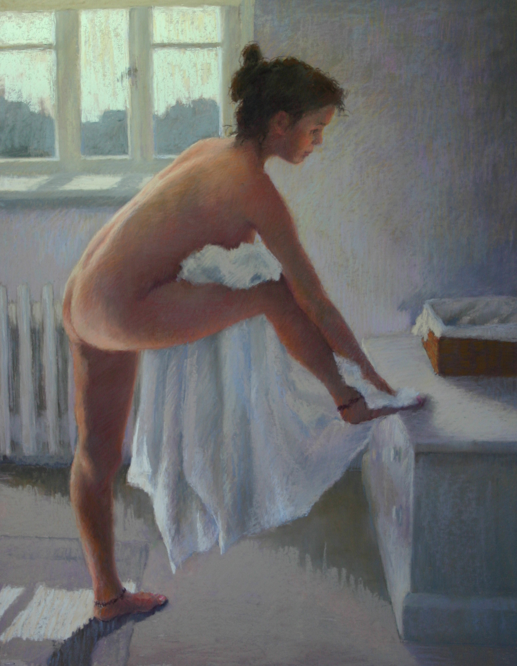 Drying her toes - Pastel