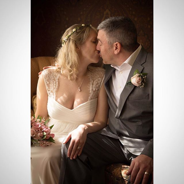The Kiss @lovebylunasolo #weddingphotography #weddingphotographer #love #capture #weddingwire #weddingday