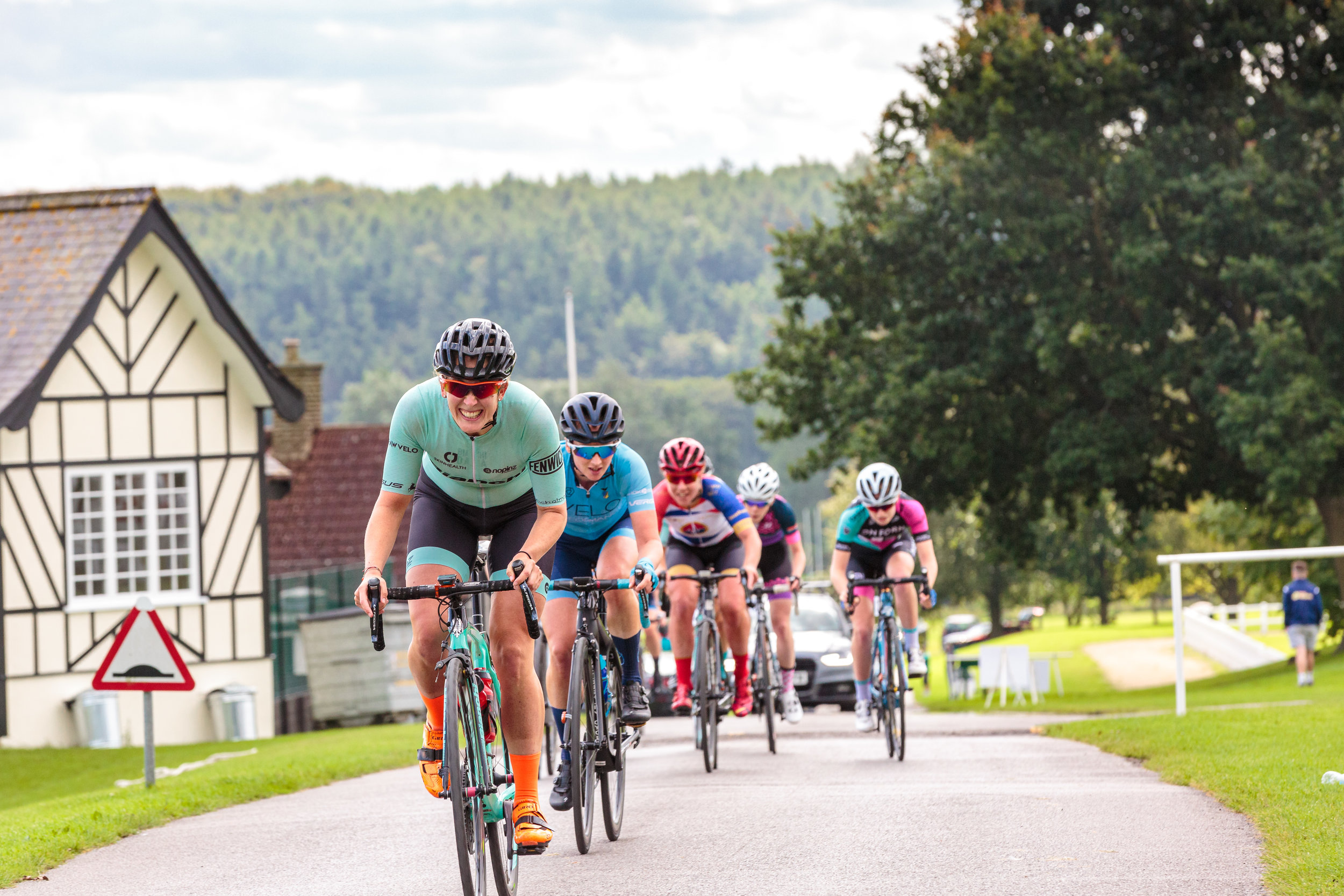 Team Bianchi Dama leading a bunch in the Women's Ryedale Grand Prix 2019