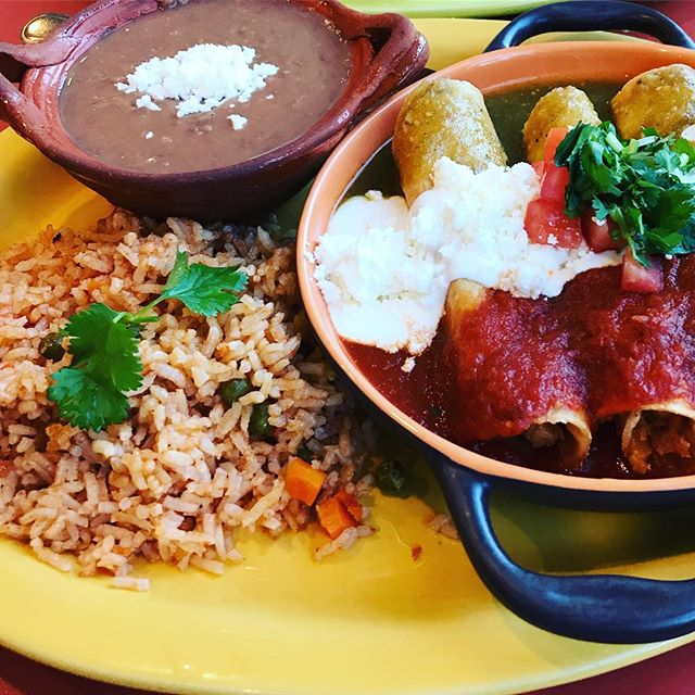 Got to give @chilangosmexicanrestaurant a shout out for an amazing meal! Make sure to stop by this wonderfully delicious place if you get a chance! • #yummy #delicious #mexican #buylocal #supportlocal #authentic #belleville #ontario #downtown