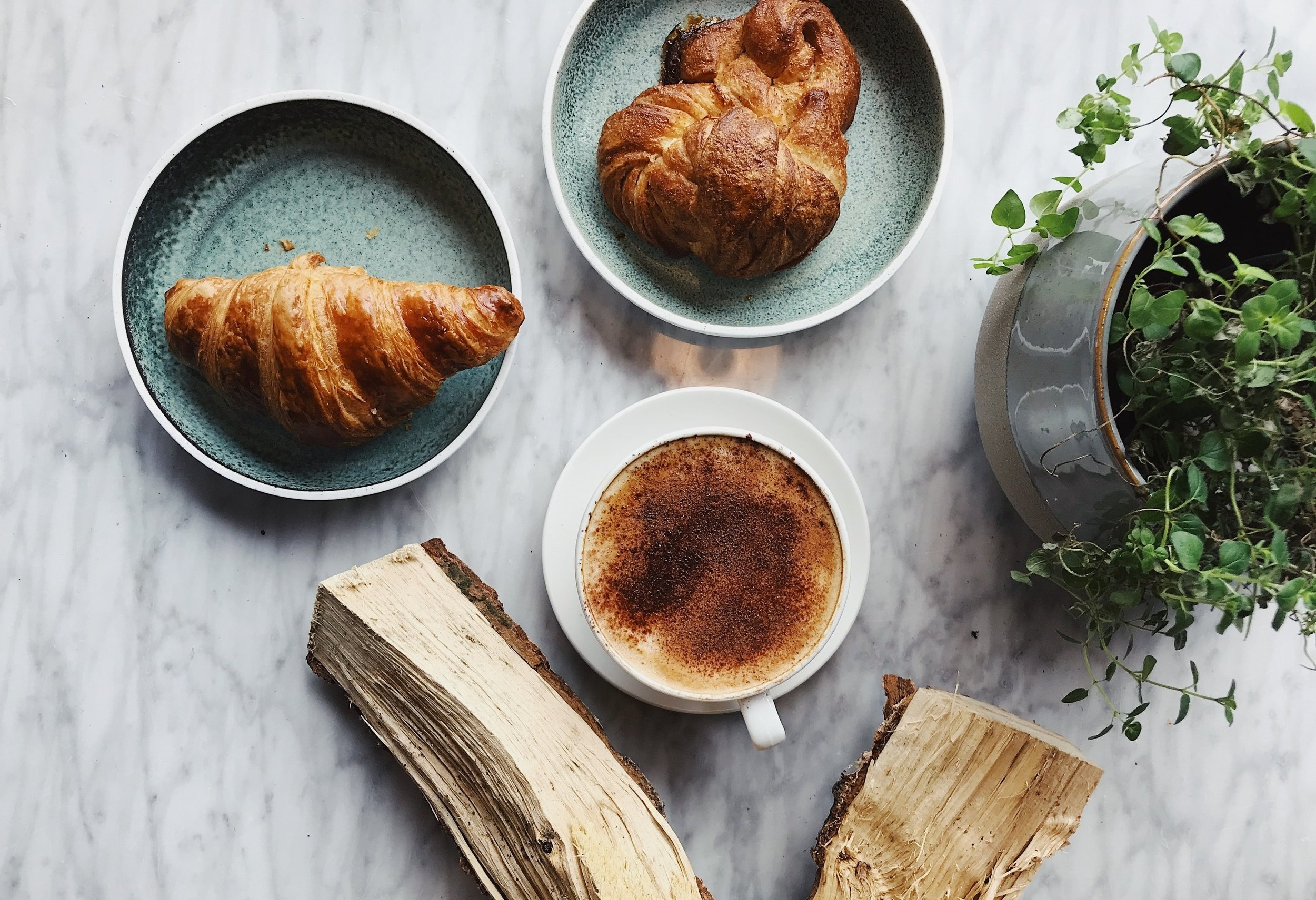 baked-beverage-bread-2351273.jpg