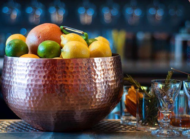 Cocktail, anyone? #OtoñoLA 📷: @ice_and_alchemy