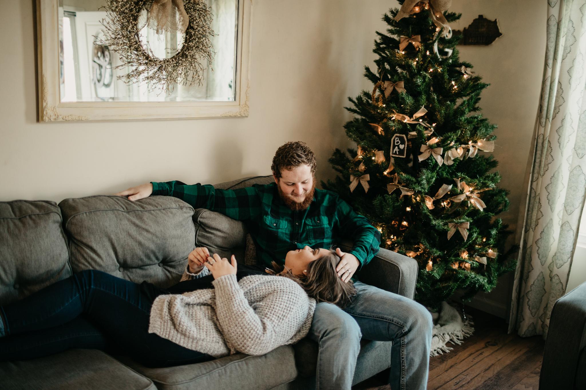 billie-shaye-style-photography-www.billieshayestyle.com-lifestyle-couple-christmas-cuddle-session-nashville-tennessee-8456.jpg