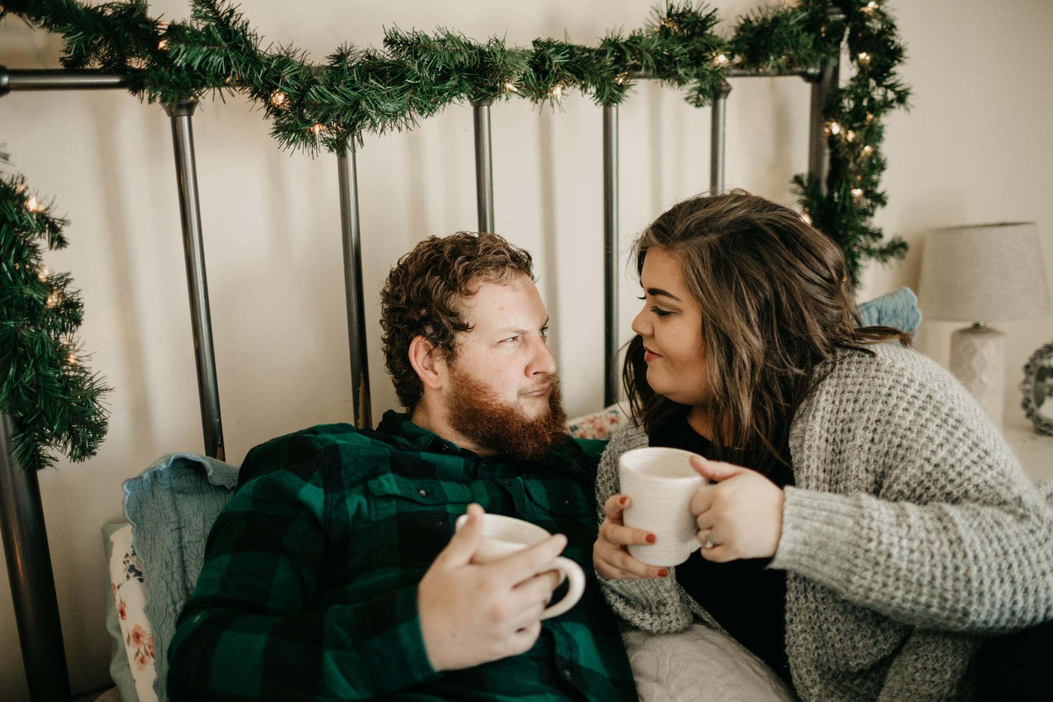 billie-shaye-style-photography-www.billieshayestyle.com-lifestyle-couple-christmas-cuddle-session-nashville-tennessee-8525.jpg
