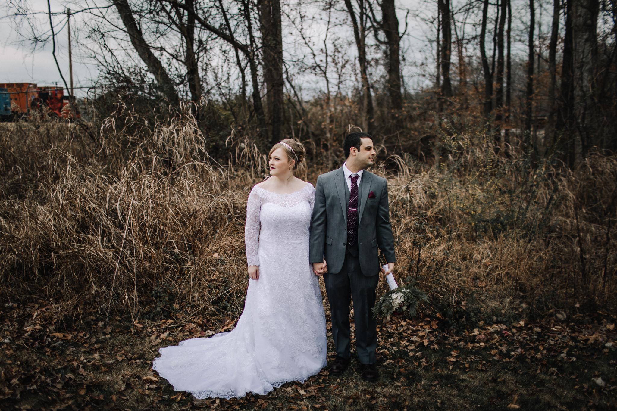 billie-shaye-style-photography-www.billieshayestyle.com-winter-wedding-the-belle-hollow-clarksville-tennessee-9187.jpg
