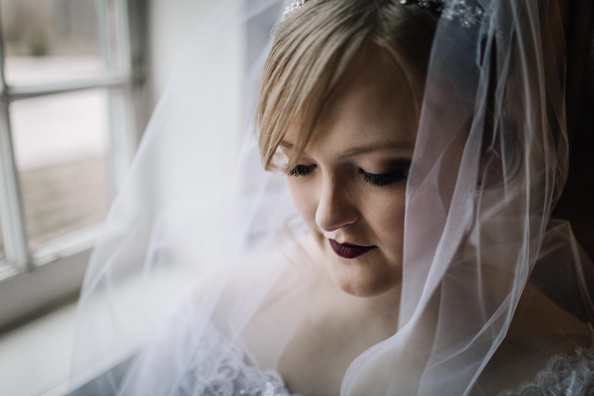 billie-shaye-style-photography-www.billieshayestyle.com-winter-wedding-the-belle-hollow-clarksville-tennessee-9475.jpg