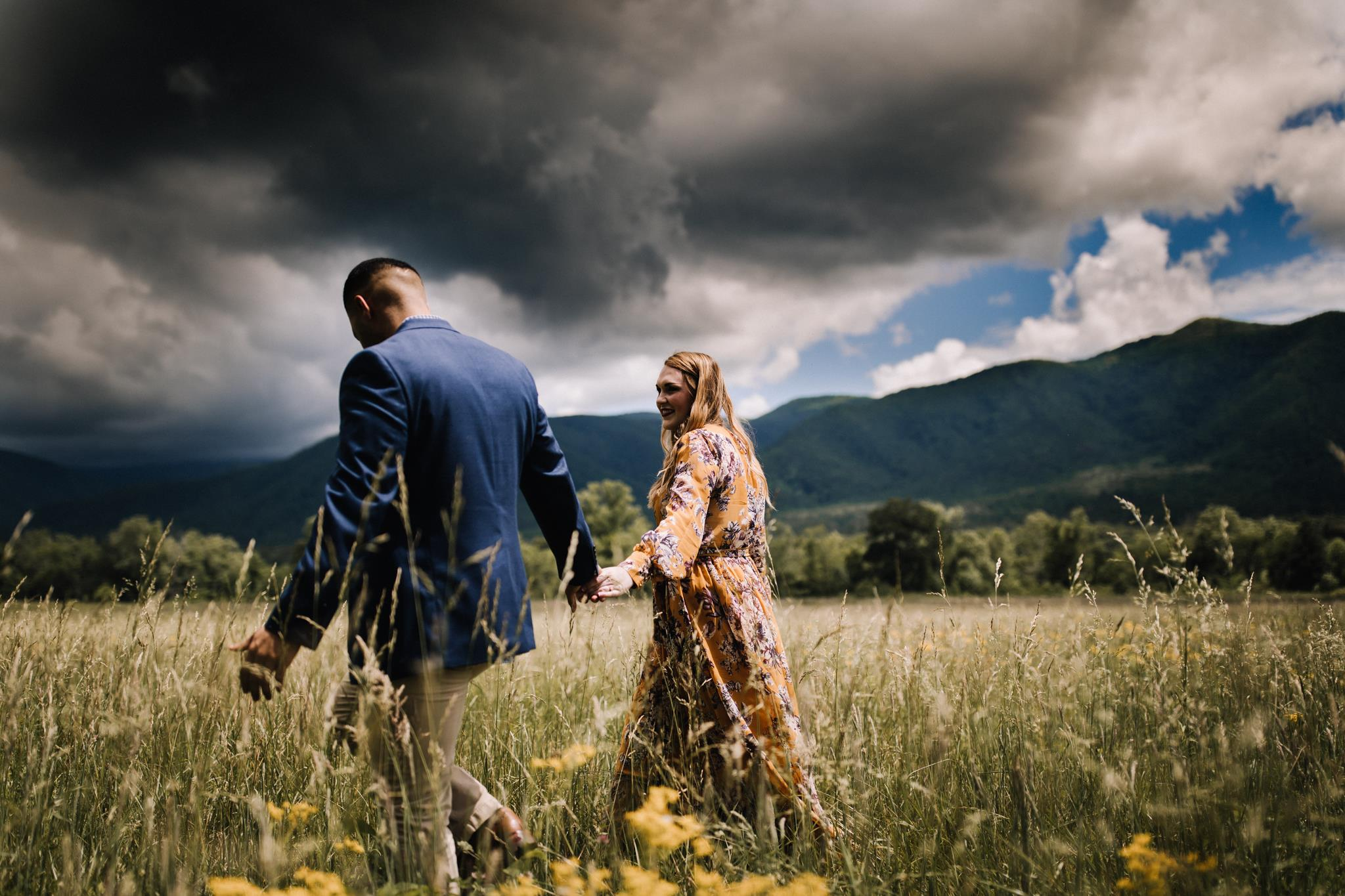 billie-shaye style photography - www.billieshayestyle.com - smokey mountain cades cove summer rain engagement session - gatlinburg tennessee-11.jpg