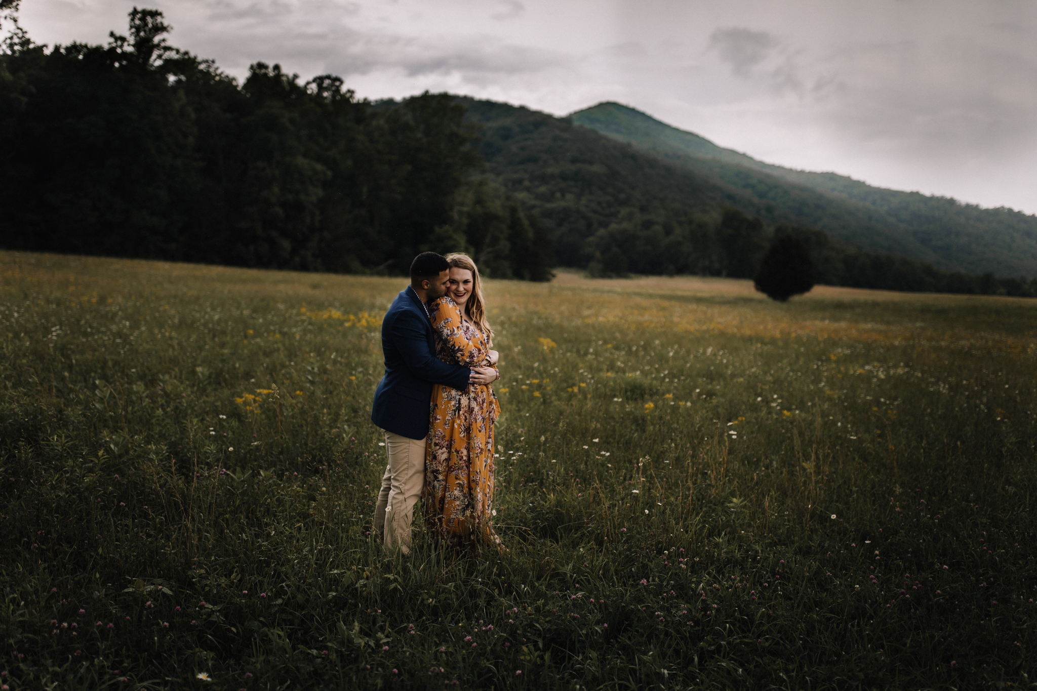 billie-shaye style photography - www.billieshayestyle.com - smokey mountain cades cove summer rain engagement session - gatlinburg tennessee-0377.jpg