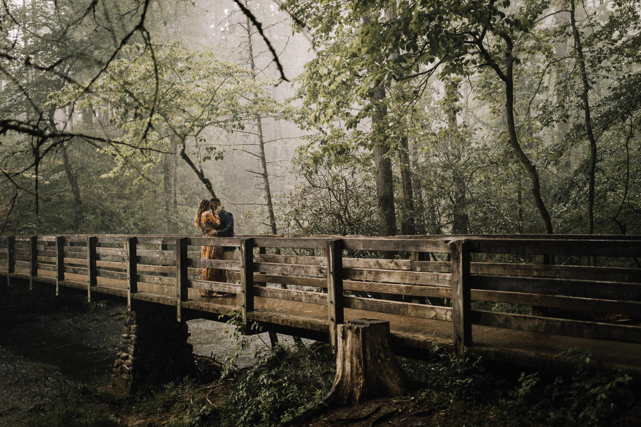 billie-shaye style photography - www.billieshayestyle.com - smokey mountain cades cove summer rain engagement session - gatlinburg tennessee-18.jpg