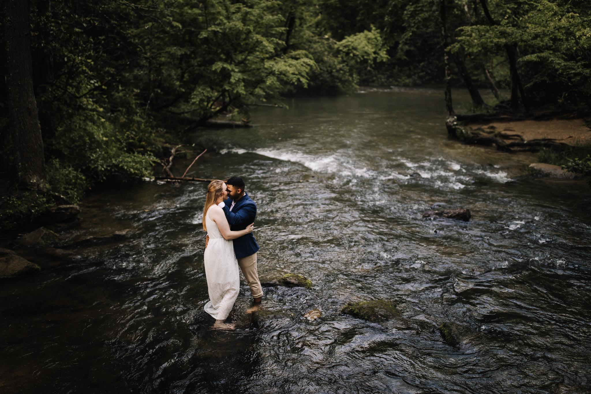 billie-shaye style photography - www.billieshayestyle.com - smokey mountain cades cove summer rain engagement session - gatlinburg tennessee-20.jpg