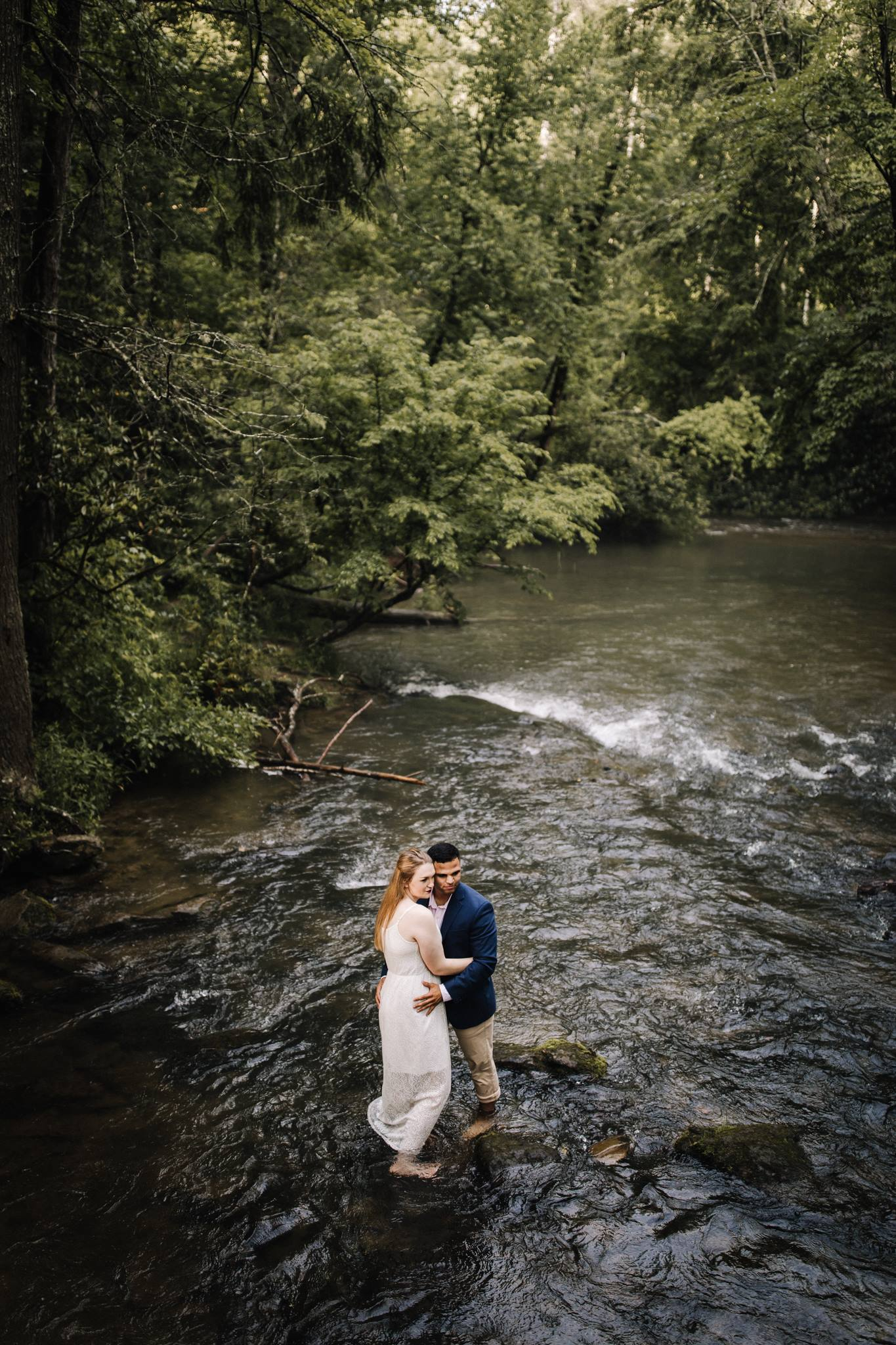 billie-shaye style photography - www.billieshayestyle.com - smokey mountain cades cove summer rain engagement session - gatlinburg tennessee-29.jpg