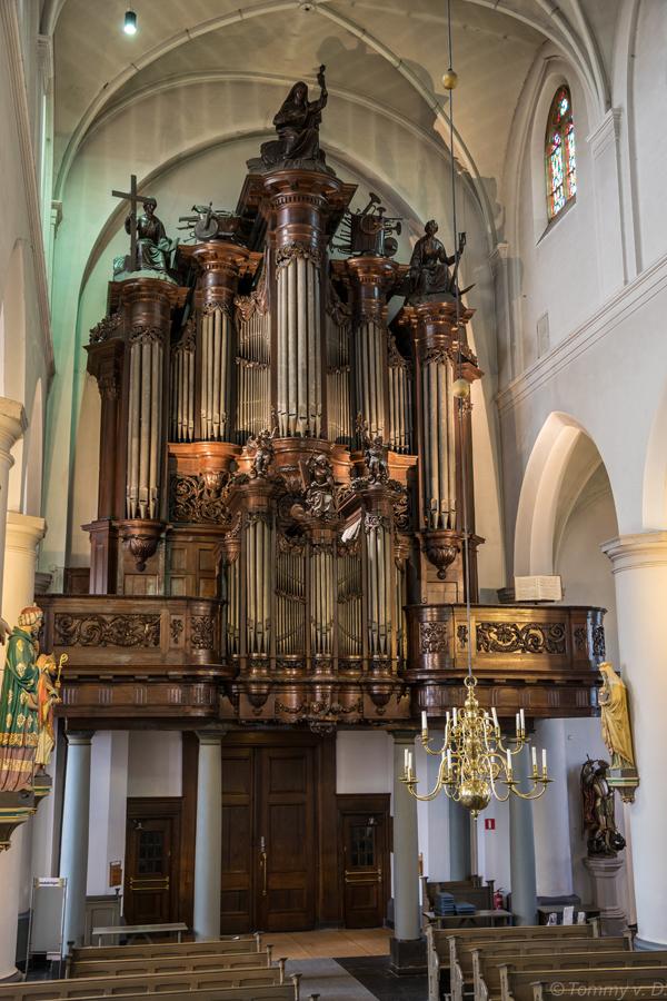 Smits-orgel (1842) in de Sint-Petrusbasiliek te Boxtel