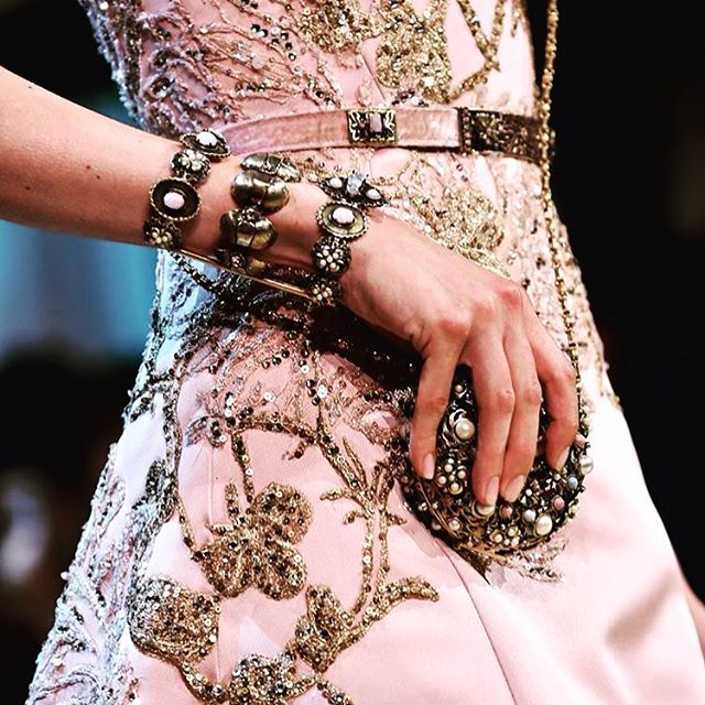 My fav #details @eliesaabworld I'm loving all these 1920s inspired looks from #eliesaab these days