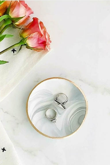 Bridesmaid gift ideas you'll want to steal for yourself #thehandlettershop