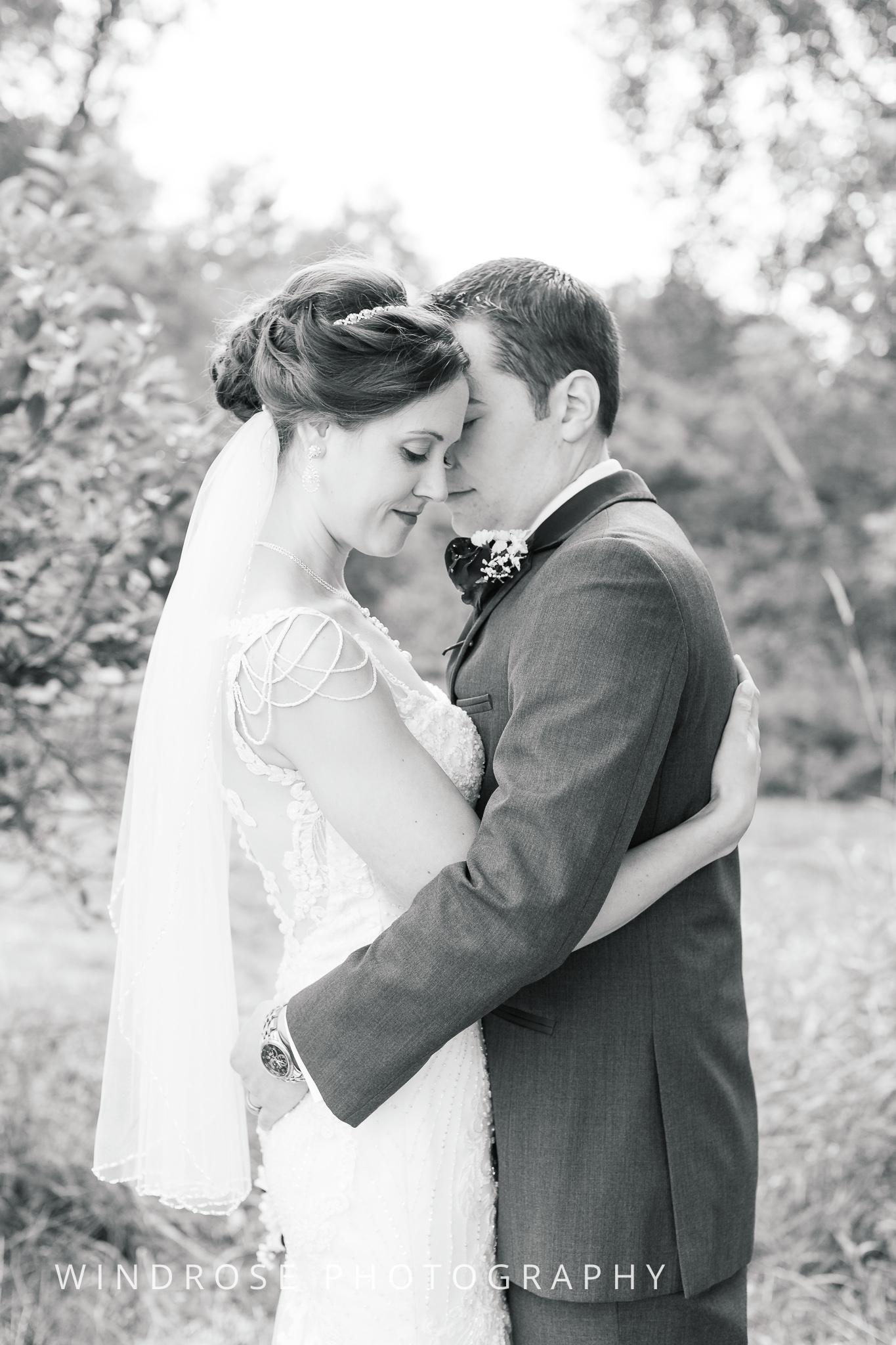 La-Crosse-Country-Club-Wedding-Minnesota-Wedding-Photographer-1-2.jpg
