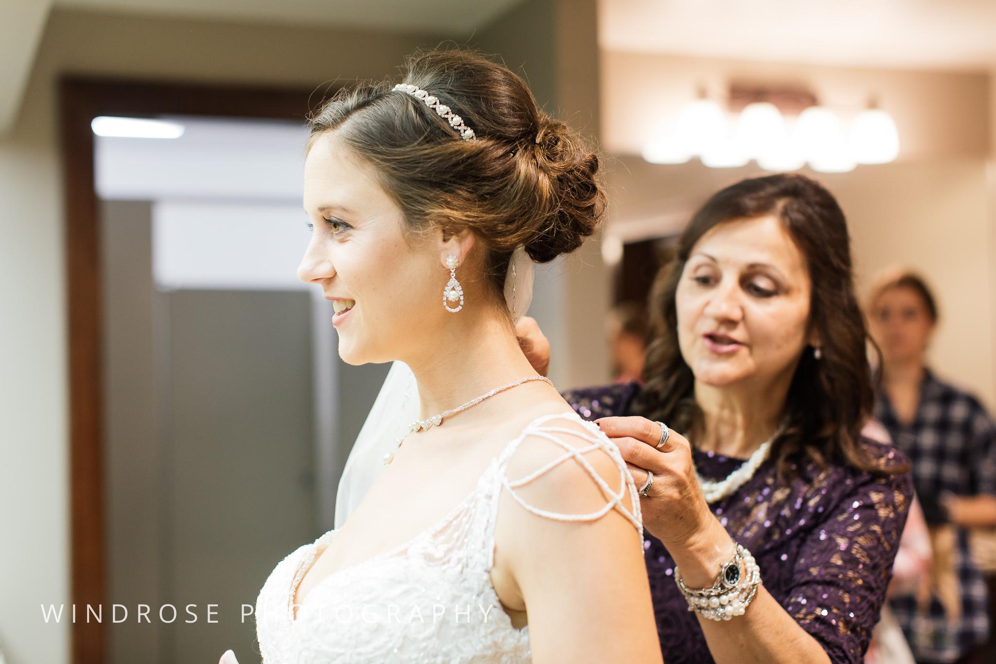 La-Crosse-Country-Club-Wedding-Minnesota-Wedding-Photographer-2.jpg