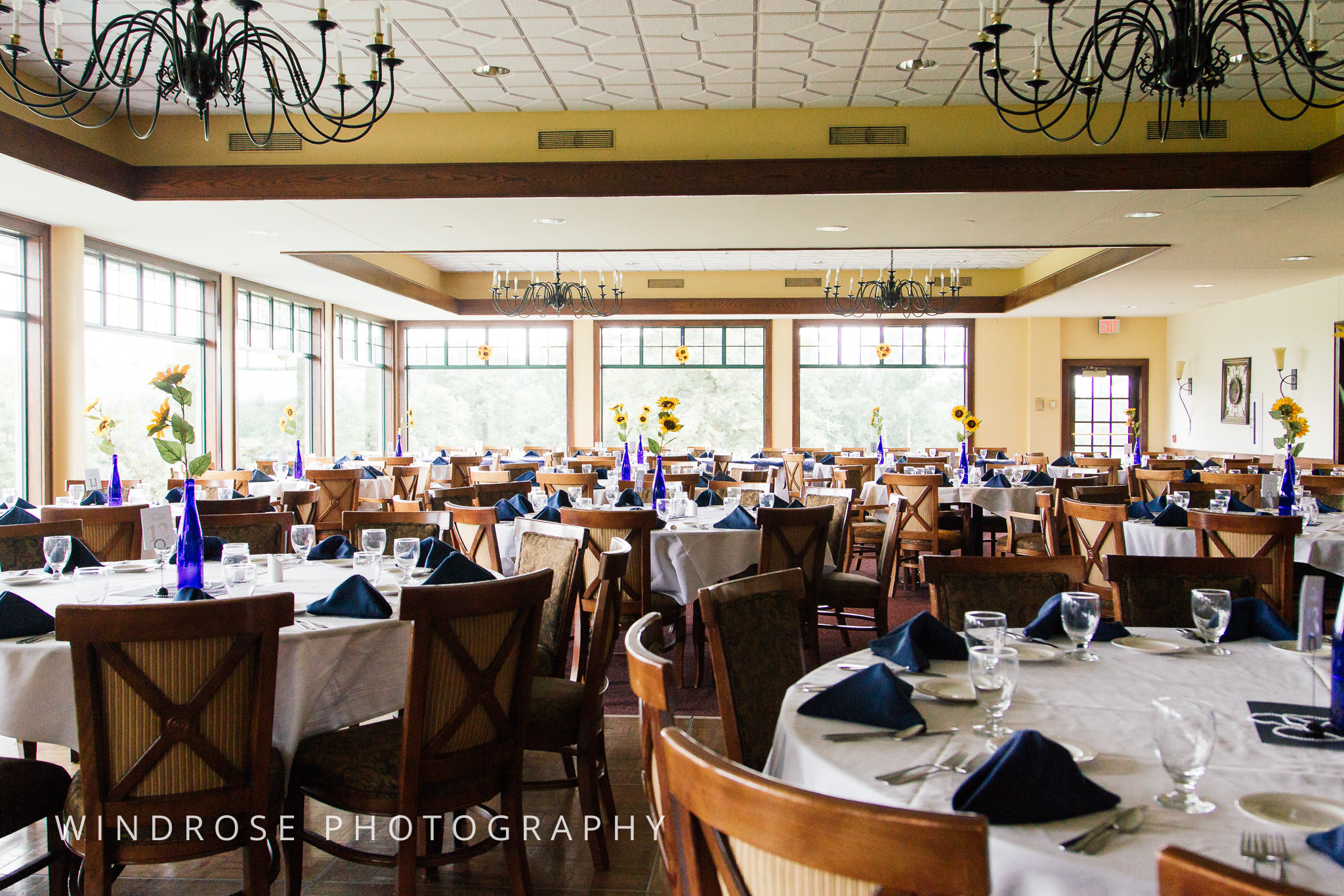 La-Crosse-Country-Club-Wedding-Minnesota-Wedding-Photographer-3.jpg