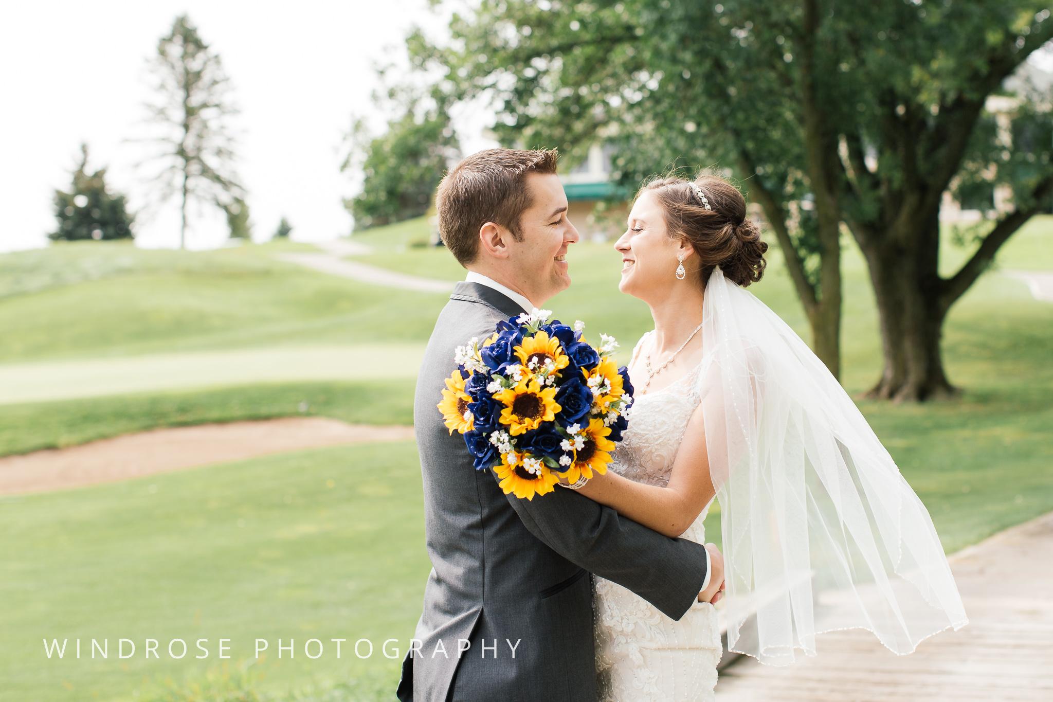 La-Crosse-Country-Club-Wedding-Minnesota-Wedding-Photographer-5.jpg