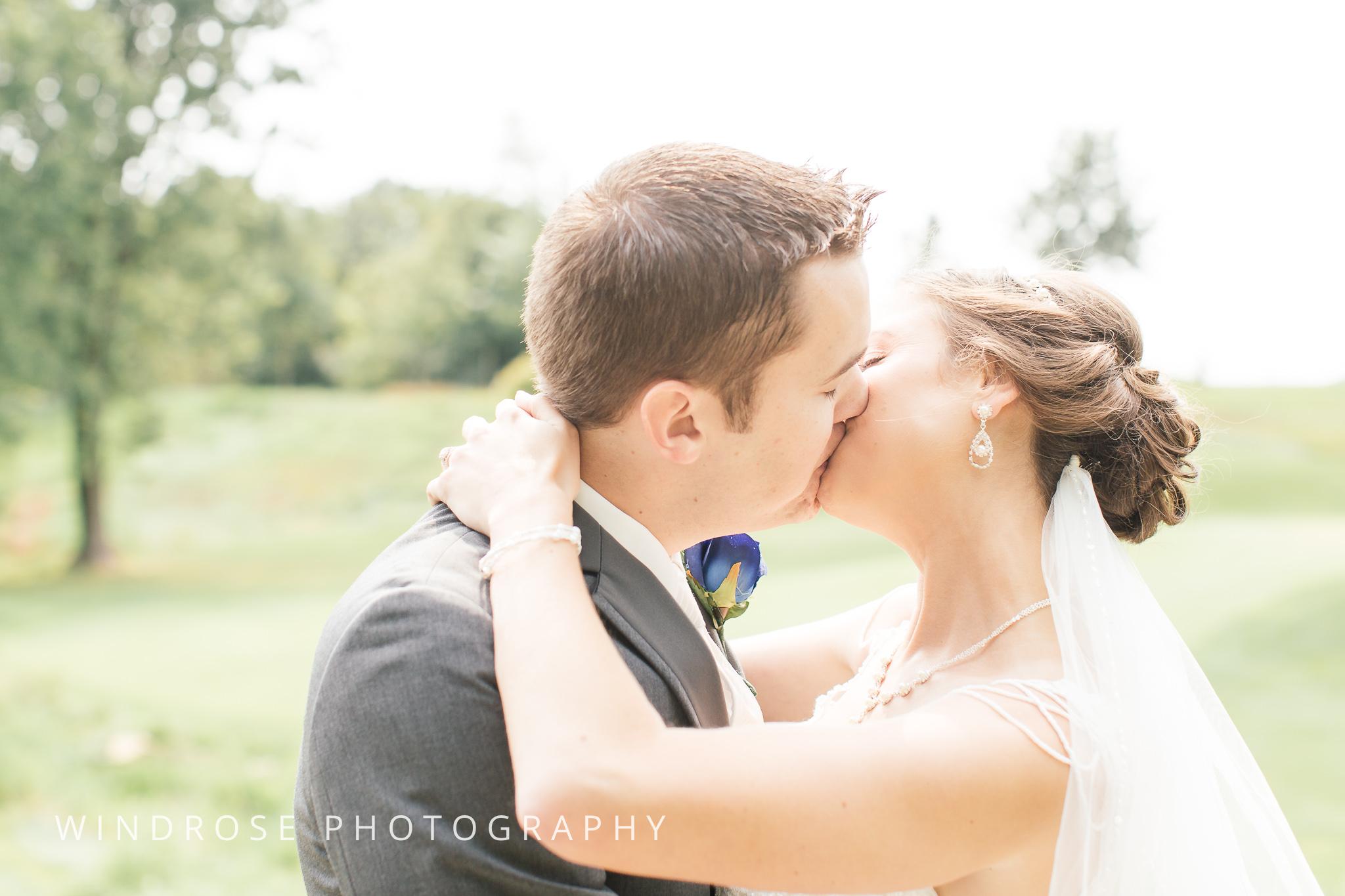 La-Crosse-Country-Club-Wedding-Minnesota-Wedding-Photographer-8.jpg