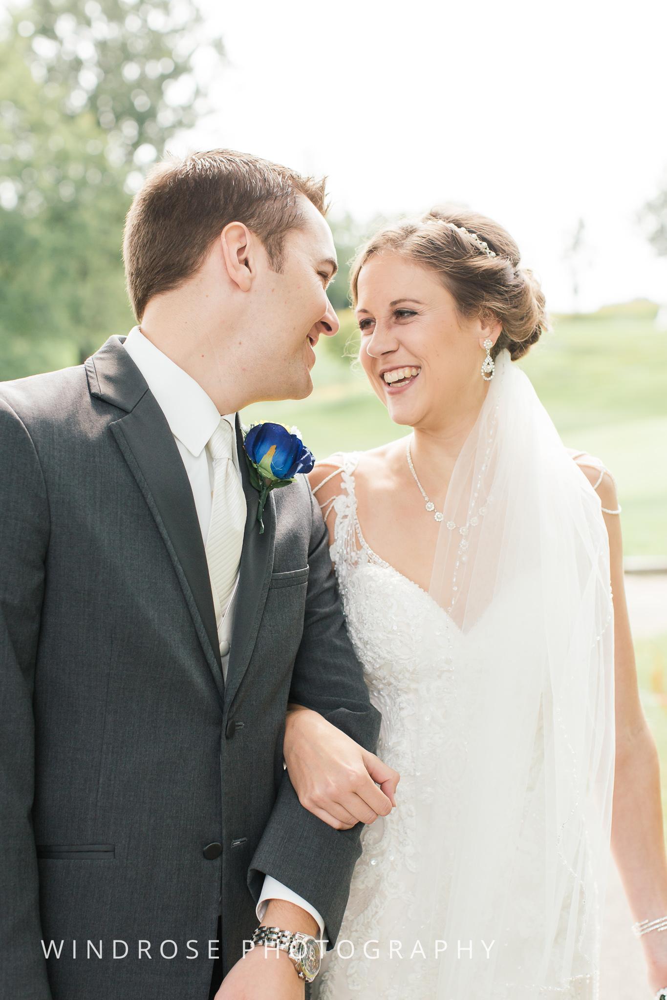 La-Crosse-Country-Club-Wedding-Minnesota-Wedding-Photographer-9.jpg
