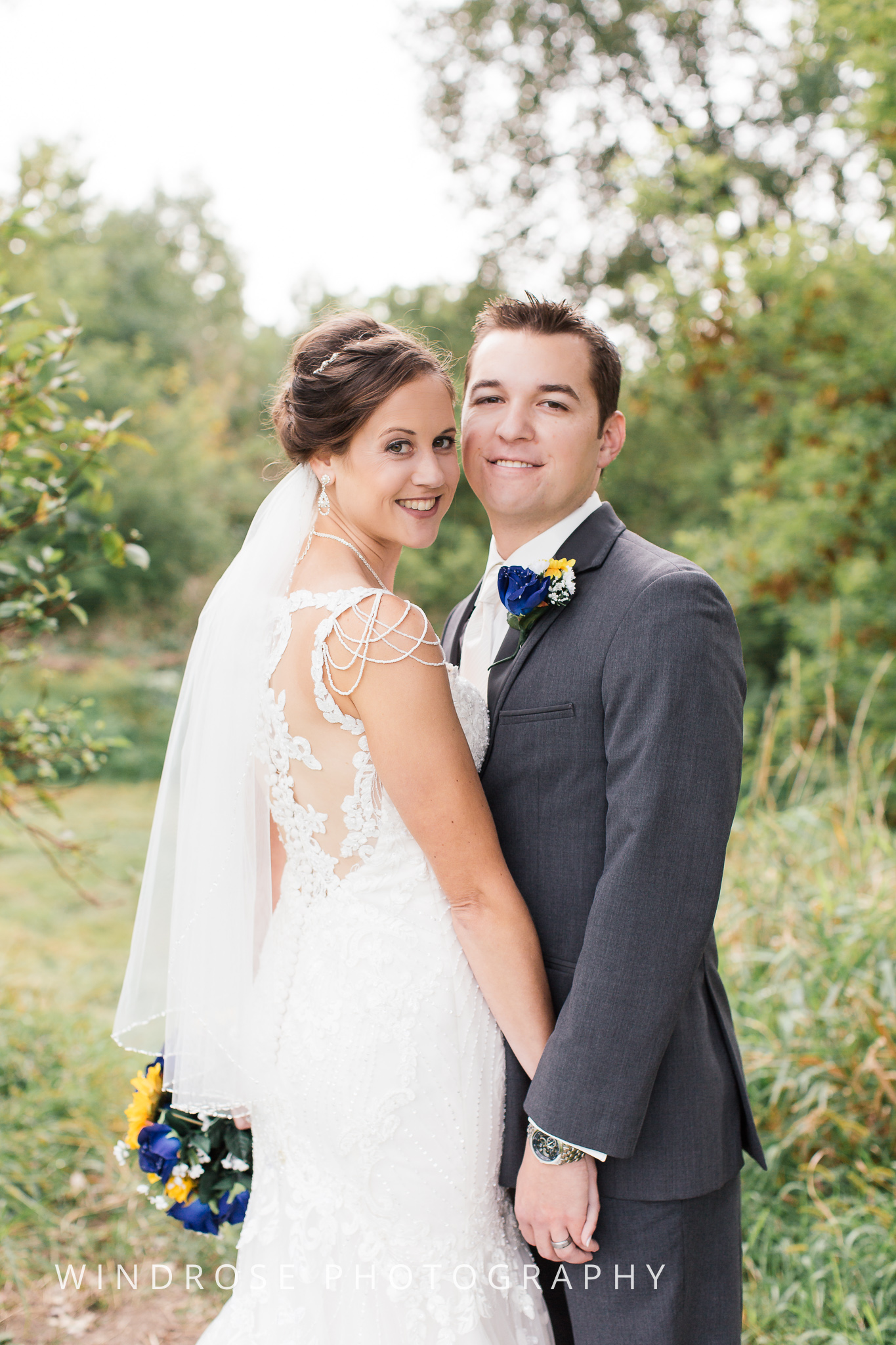 La-Crosse-Country-Club-Wedding-Minnesota-Wedding-Photographer-13.jpg