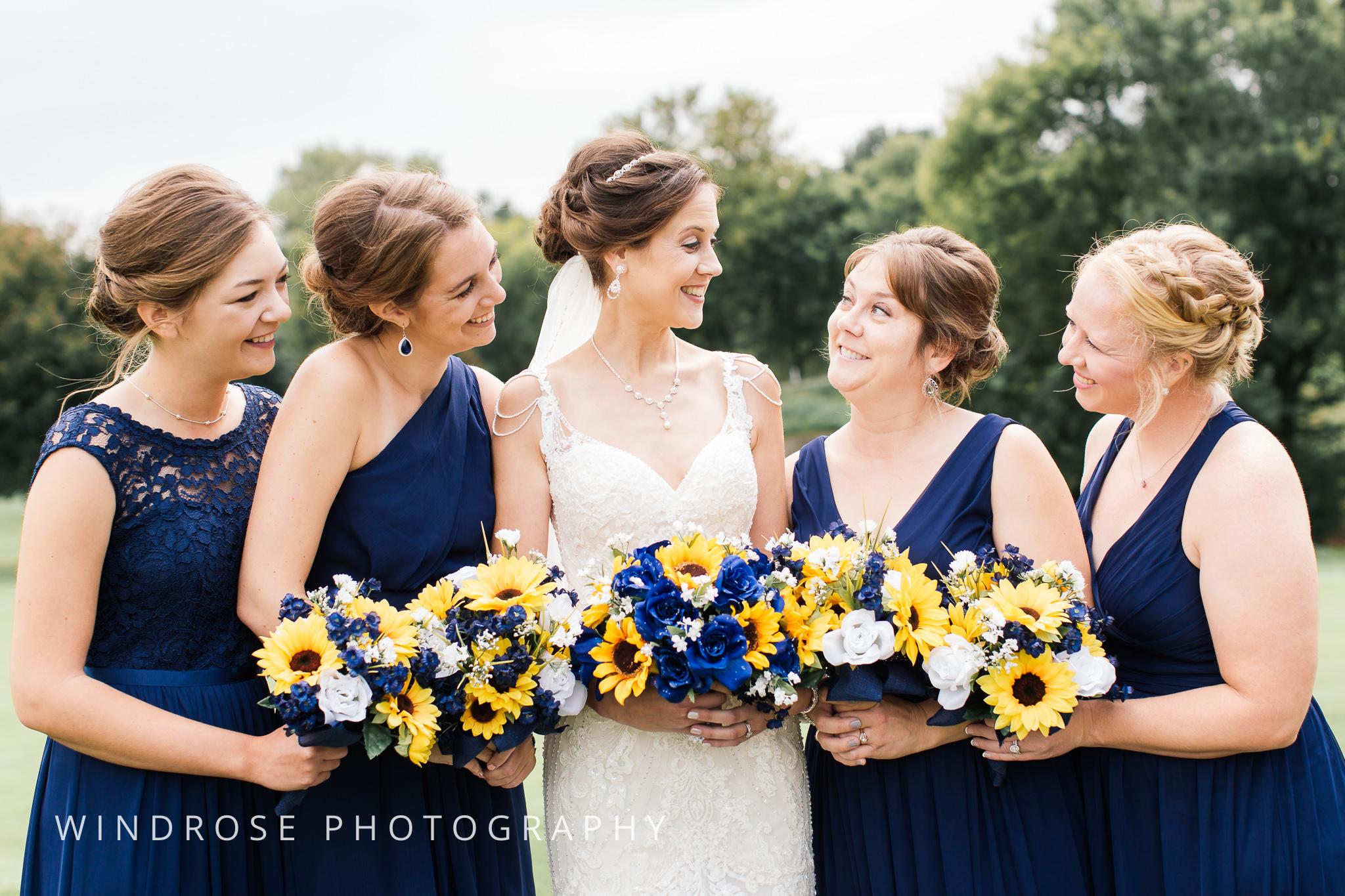 La-Crosse-Country-Club-Wedding-Minnesota-Wedding-Photographer-15.jpg