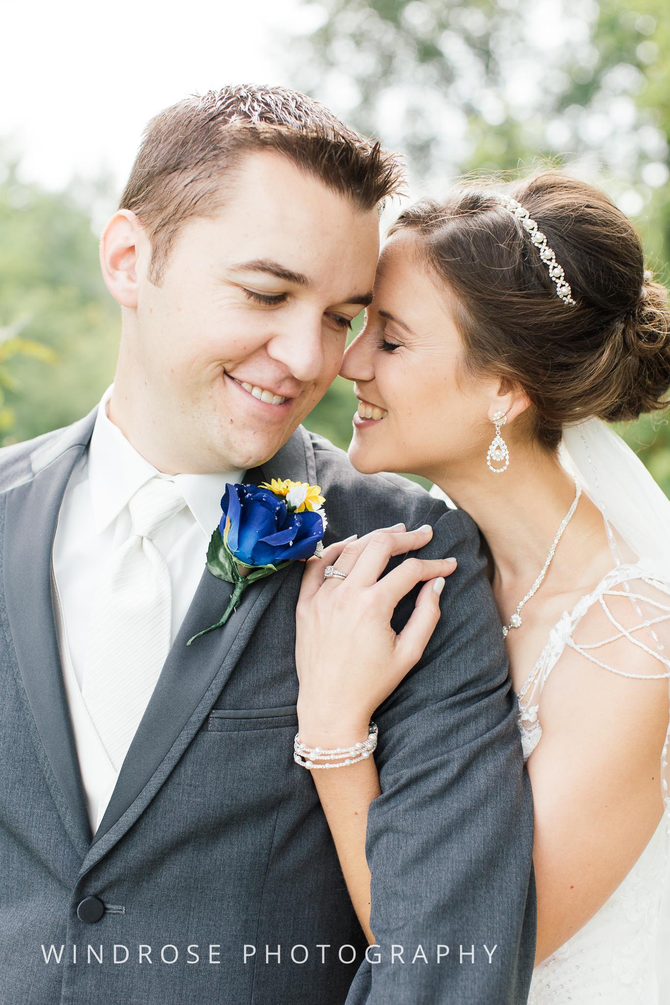 La-Crosse-Country-Club-Wedding-Minnesota-Wedding-Photographer-14.jpg