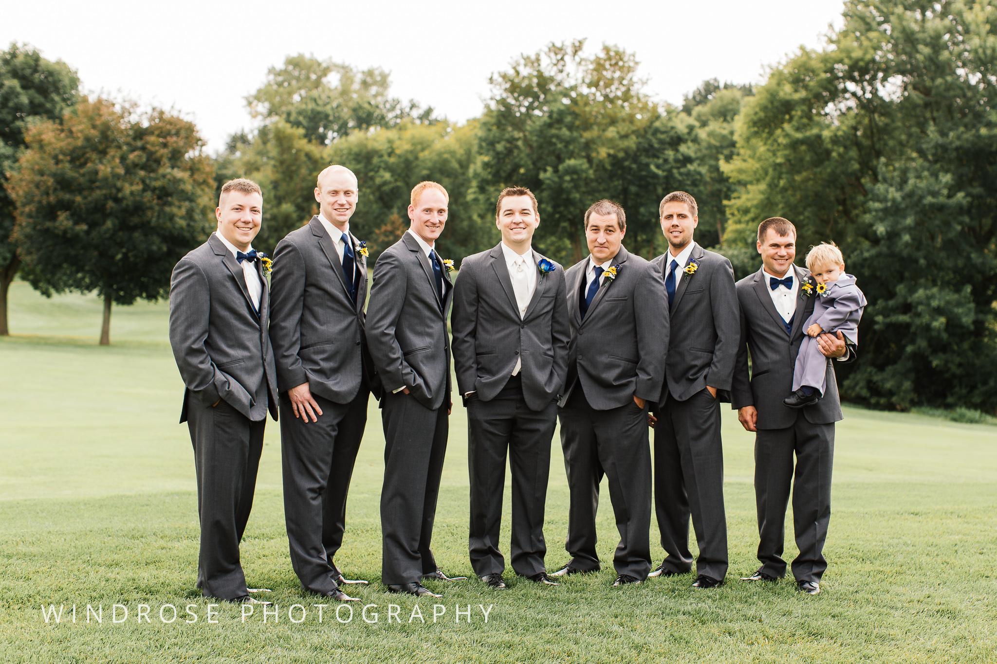 La-Crosse-Country-Club-Wedding-Minnesota-Wedding-Photographer-18.jpg