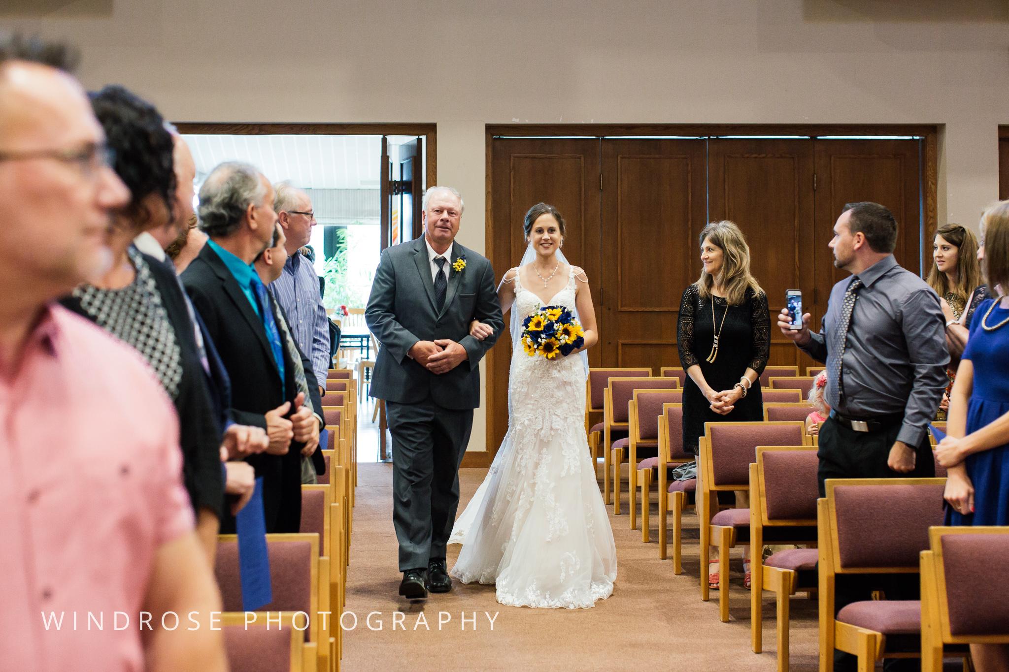 La-Crosse-Country-Club-Wedding-Minnesota-Wedding-Photographer-21.jpg