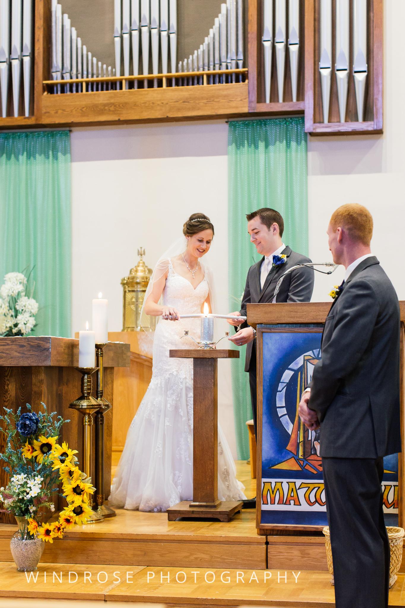 La-Crosse-Country-Club-Wedding-Minnesota-Wedding-Photographer-22.jpg