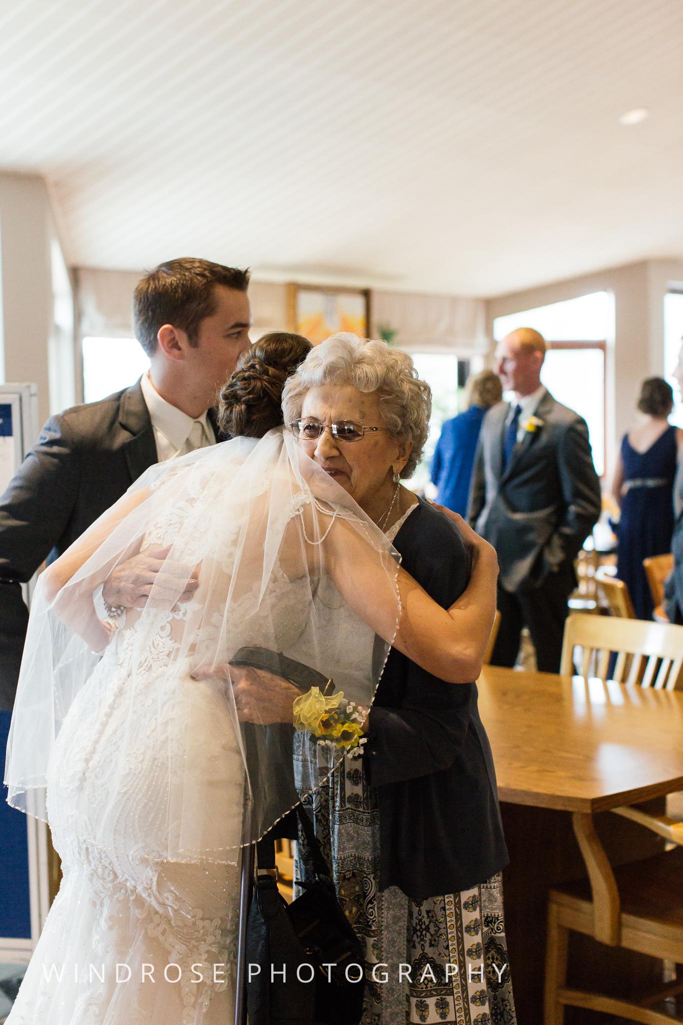 La-Crosse-Country-Club-Wedding-Minnesota-Wedding-Photographer-24.jpg