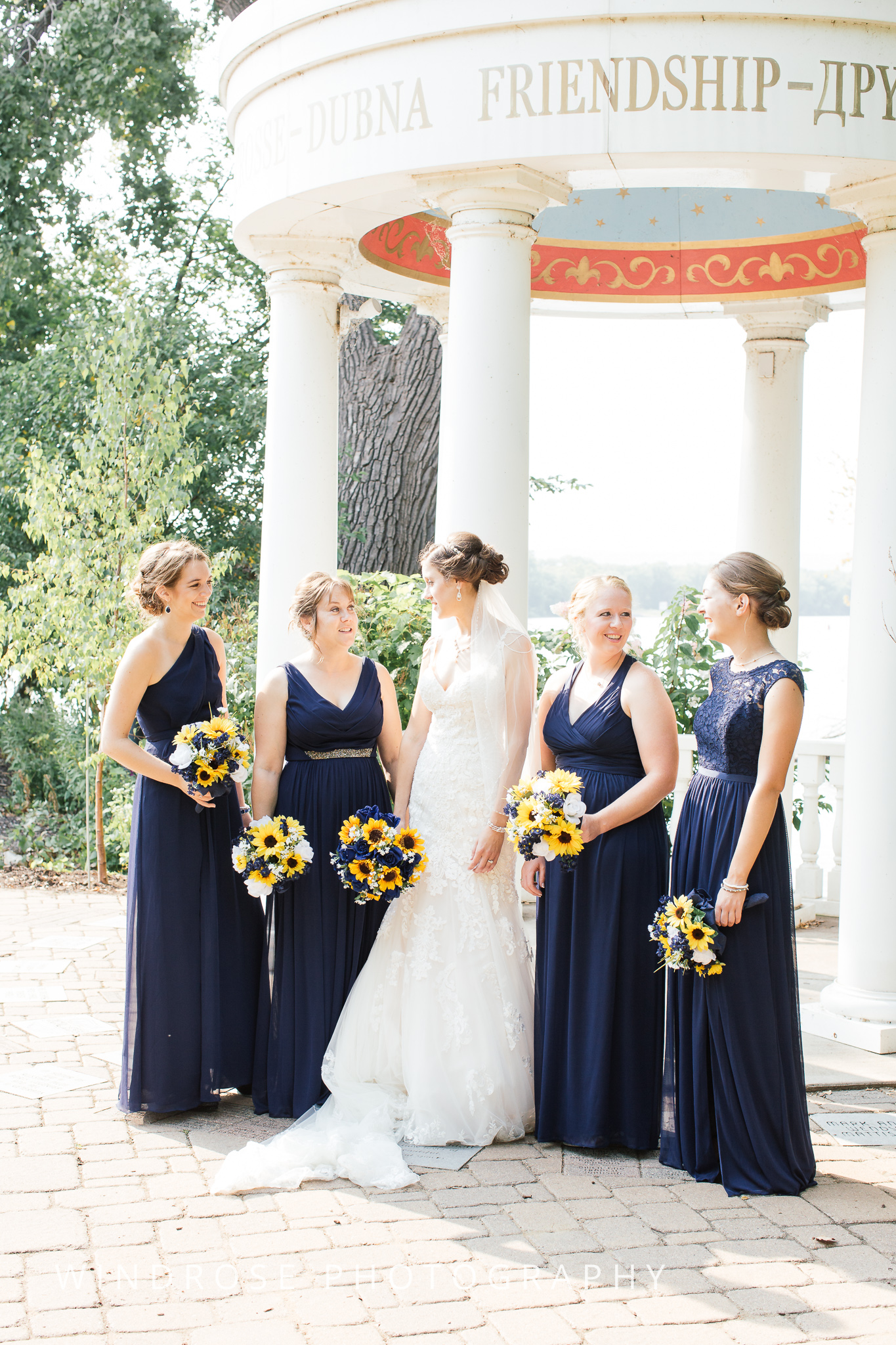 La-Crosse-Country-Club-Wedding-Minnesota-Wedding-Photographer-30.jpg