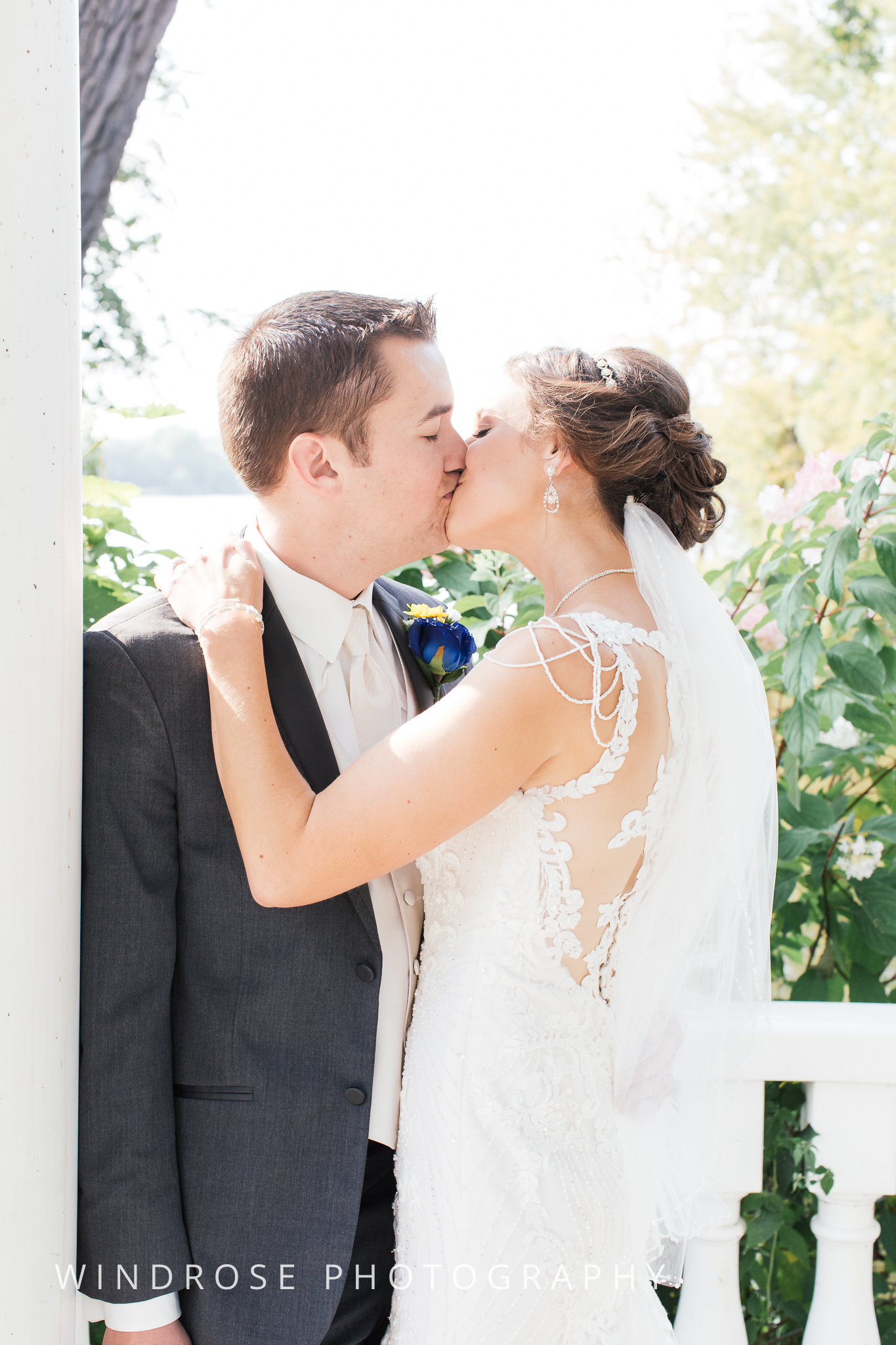 La-Crosse-Country-Club-Wedding-Minnesota-Wedding-Photographer-33.jpg