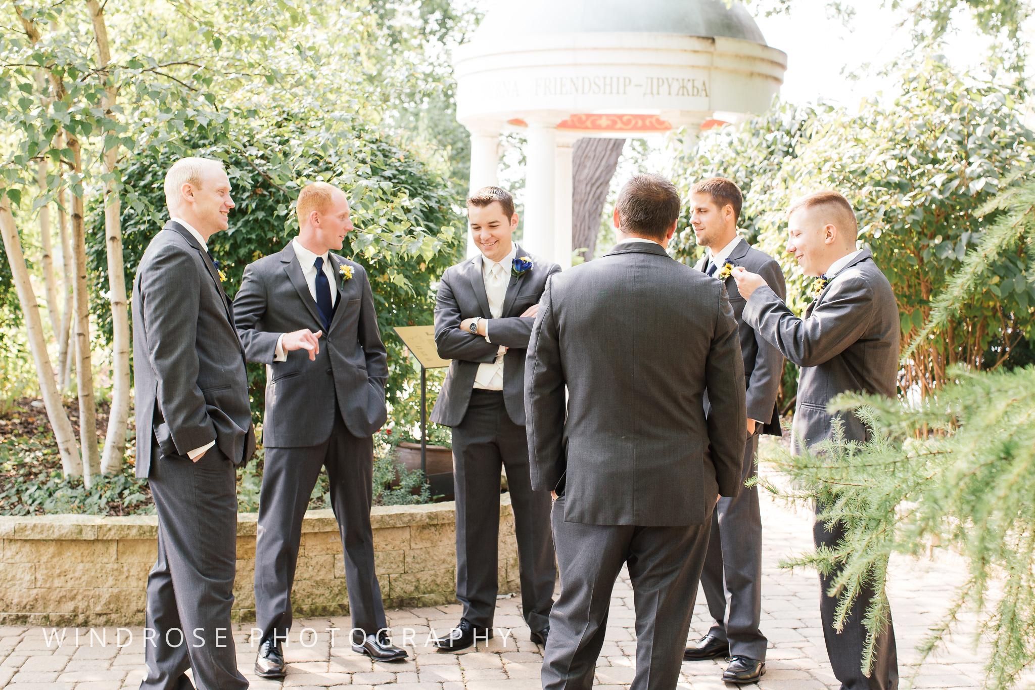 La-Crosse-Country-Club-Wedding-Minnesota-Wedding-Photographer-35.jpg