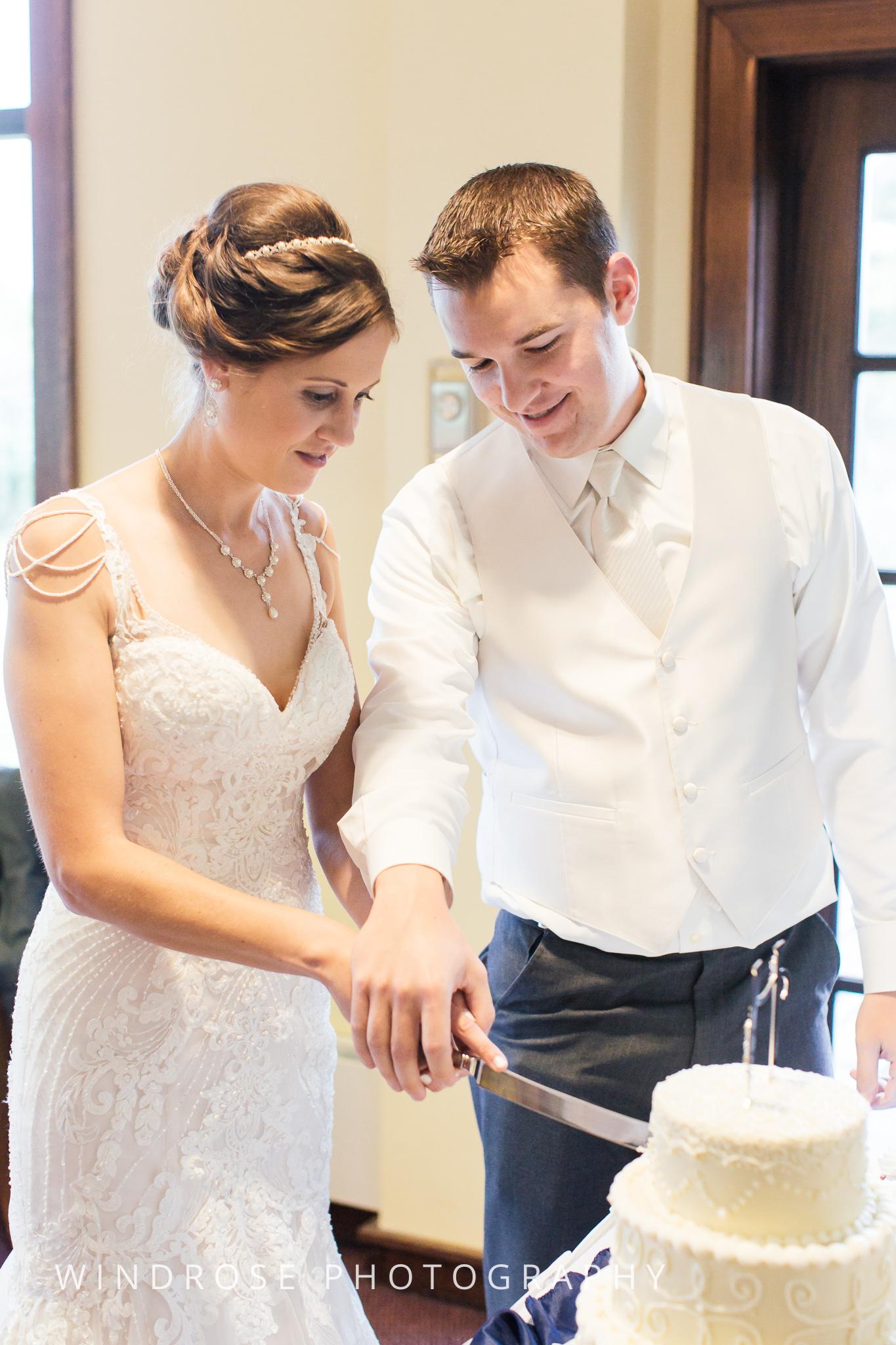 La-Crosse-Country-Club-Wedding-Minnesota-Wedding-Photographer-41.jpg