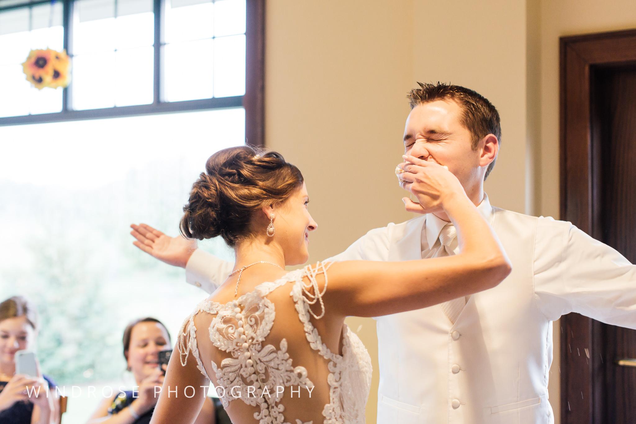 La-Crosse-Country-Club-Wedding-Minnesota-Wedding-Photographer-42.jpg