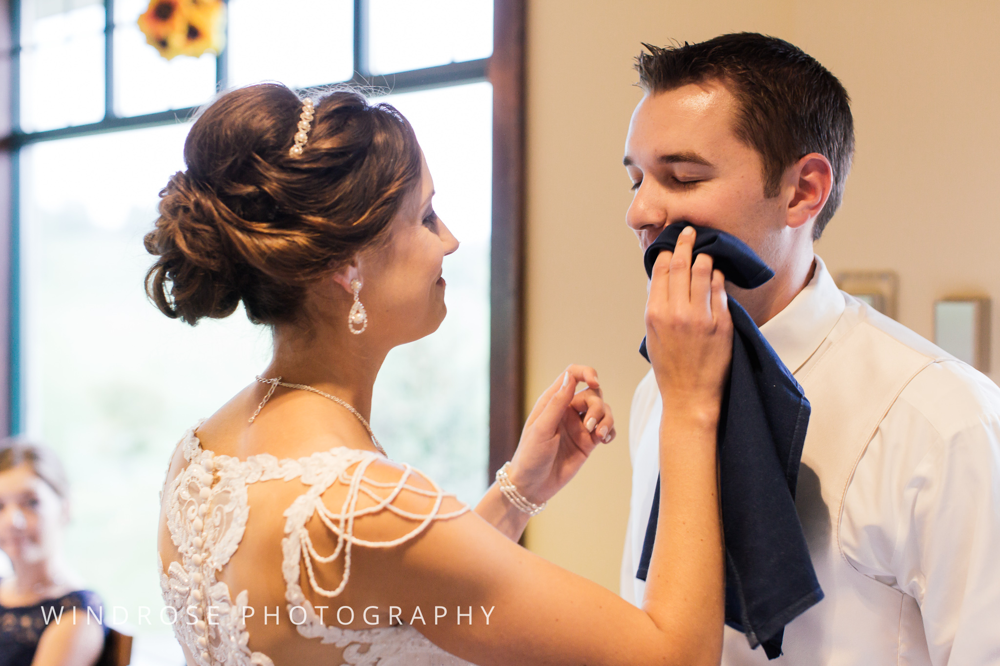 La-Crosse-Country-Club-Wedding-Minnesota-Wedding-Photographer-43.jpg