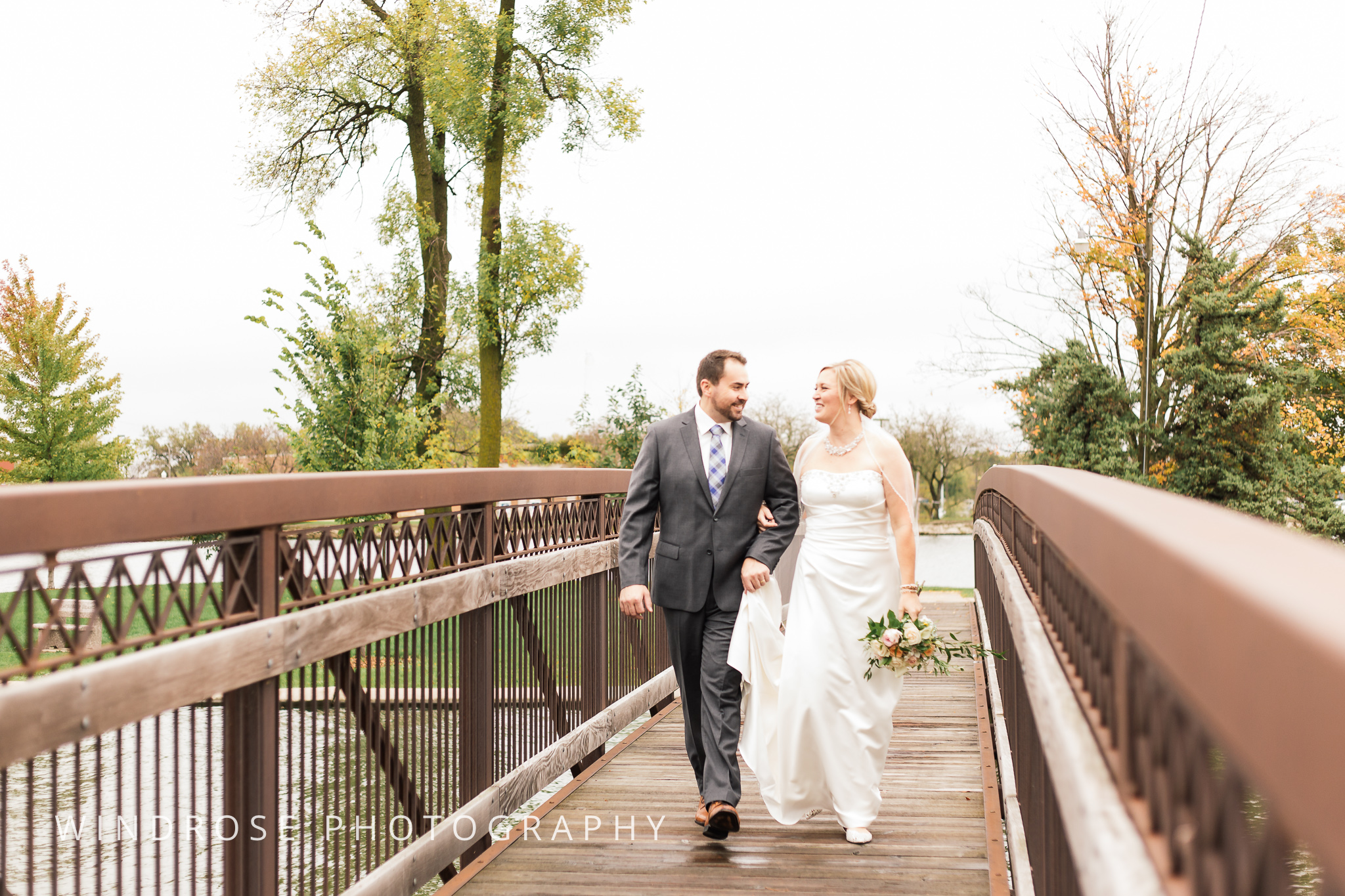 Albert-Lea-Edgewater-Bay-Pavilion-Minnesota-Wedding-Photographer-12.jpg
